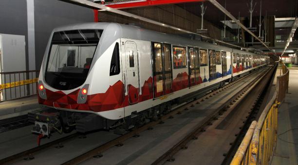 A pesar de que el tren del Metro de Quito, en la prueba de este 23 de octubre del 2020, alcanzó los 100 km/h sin problemas, esa no será la velocidad a la que viajará normalmente. Foto: Eduardo Terán / EL COMERCIO