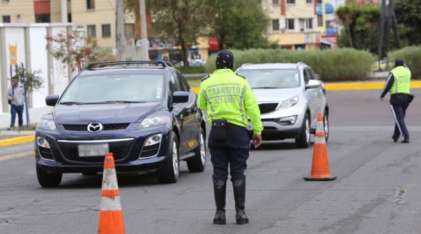 Agentes de la AMT realizan constantes controles en las calles de Quito. Foto: Archivo / EL COMERCIO