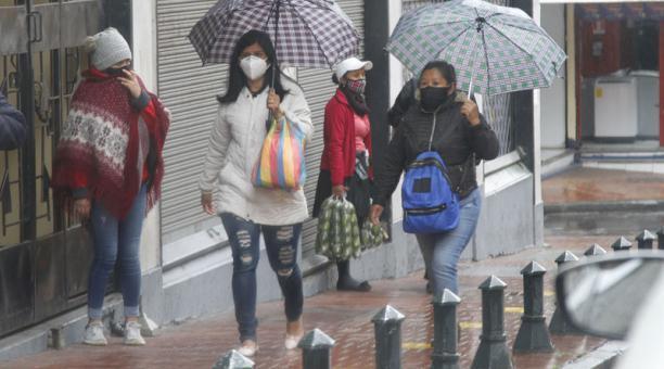El clima frío y con lluvia en las provincias de la Sierra continuará al menos hasta lunes 7 de diciembre del 2020 según los especialistas del Inamhi. Foto: Eduardo Terán / archivo / EL COMERCIO