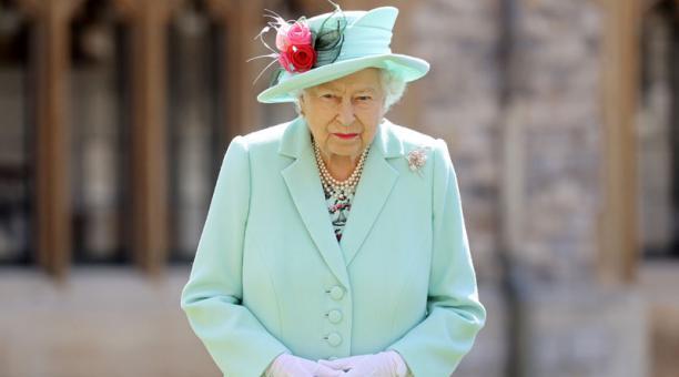 La reina Isabel afirmó que todo lo que muchas personas quieren para Navidad este 2020 es un simple abrazo en medio de la pandemia. Foto: REUTERS