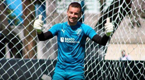 Adrián Gabbarini, arquero de Liga de Quito, durante un entrenamiento. Foto: LDU