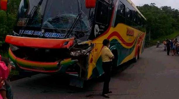Dos buses se accidentaron en la provincia de Orellana la mañana de este 3 de enero del 2021