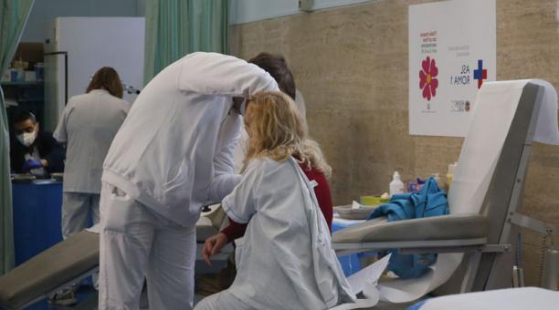 Imagen referencial. Países europeos temen que sus sistemas sanitarios colapsen debido a la segunda ola del coronavirus. Foto: EFE.