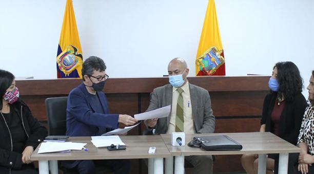 El Consejo de la Judicatura entregó a la Veeduría las notas de las pruebas prácticas. Foto: Cortesía