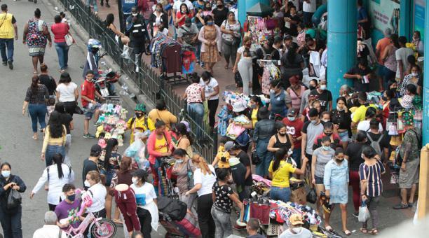 La percepción negativa de la eficacia de los Gobiernos por las medidas ante la pandemia y el aumento de la pobreza podría reavivar los conflictos sociales, advierte el Banco Mundial en su informe sobre Latinoamérica del 5 de enero del 2021. Foto: Mario Fa