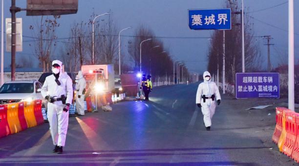 Pekín negó este 6 de enero del 2021 haber impedido la entrada al país de una misión de la OMS que debe investigar los orígenes del coronavirus SARS-CoV-2, causante de la covid-19. Foto: REUTERS.
