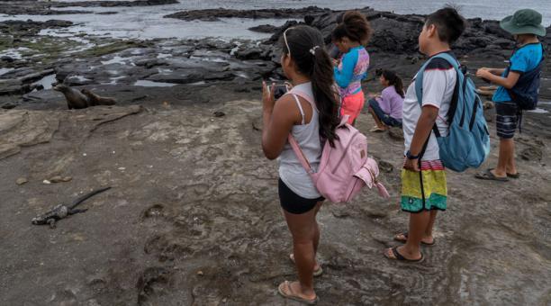 Niños de Galápagos tuvieron un contacto con astronautas.