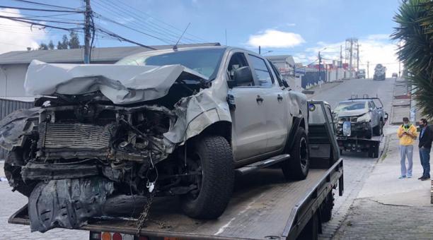 Dos camionetas se accidentaron en el sector de Carcelén Industrial, en el norte de Quito, este 9 de enero de 2021. Foto: Eduardo Terán / EL COMERCIO