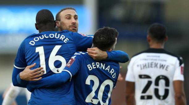 El Everton logró un triunfo por 2-1 ante el Rotherham, de Segunda, por la FA Cup. Tomado de Twitter
