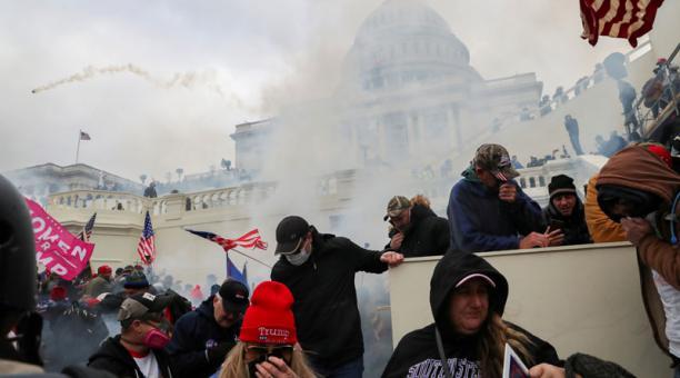 Distintas empresas de Estados Unidos anunciaron que retirarán su apoyo a los legisladores que cuestionaron los resultados de las elecciones presidenciales y que llevaron al asalto en el Capitolio. Foto: Reuters