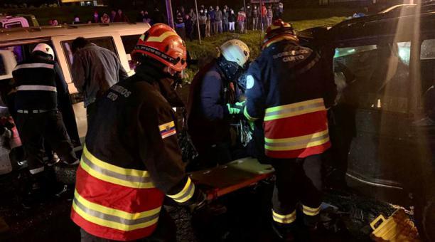 En el sector de Cutuclagua, sur de Quito, se registró un accidente entre cuatro vehículos