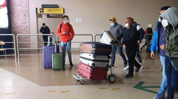 Aerolíneas que incumplan la normativa serán sancionadas. Los pasajeros que no tengan una prueba PCR negativa no podrán ingresar al Ecuador. Foto: Archivo/ EL COMERCIO.