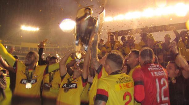Barcelona festejó su estrella 16 en el estadio Rodrigo Paz, tras derrotar a Liga de Quito. Foto: Barcelona SC