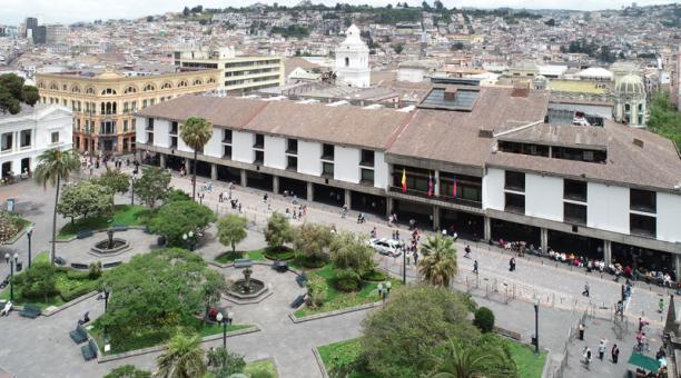 El alcalde Jorge Yunda anunció este 14 de enero del 2021 que las dependencias municipales saldrán del Centro Histórico para ayudar en su preservación. Foto: Vicente Costales/ EL COMERCIO.