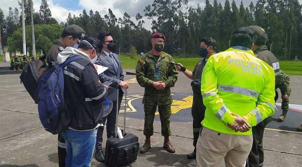 A la reconstrucción de los hechos en la Brigada llegaron policías, fiscales y peritos. Foto: Fiscalía