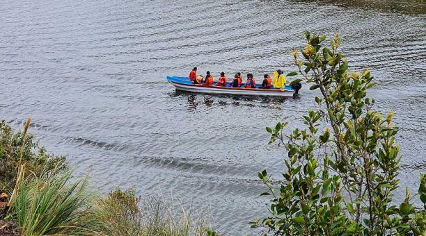 En la Laguna de Curiquingue hay botes a remo. El paseo de 30 minutos cuesta USD 1,50 por persona, mientras que los de motor, USD 2,50. Foto: Lineida Castillo / EL COMERCIO