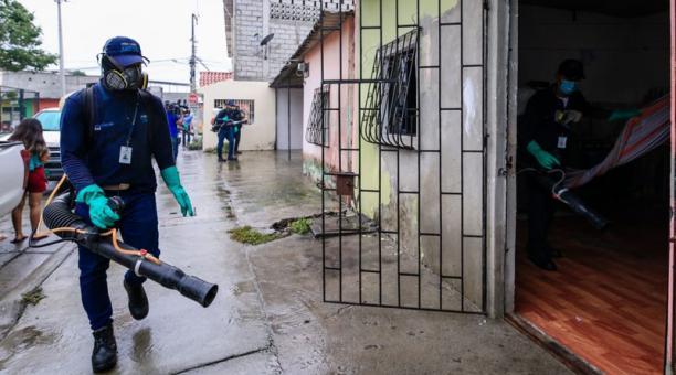 El Municipio comenzó ayer la intervención en Vergeles, que tiene alta incidencia. Foto: Cortesía / Municipio de Guayaquil