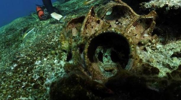 Arqueólogos submarinos griegos han hallado vasijas fabricadas en España entre los restos de un naufragio del siglo II o III, cerca de la isla de Kasos, en el Dodecaneso, por donde pasan varias rutas comerciales marítimas desde la Antigüedad. Foto: EFE/ Mi