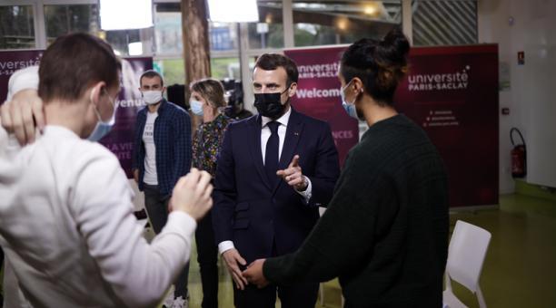 Francia impondrá a partir del próximo lunes 25 de enero del 2021 la presentación de un test PCR negativo realizado en las 72 horas anteriores a todos los viajeros europeos que quieran entrar en el país por avión, anunció este jueves 21 el presidente, Emma