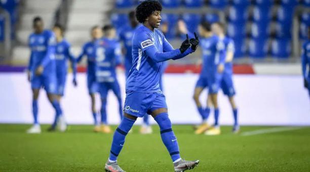 Ángelo Preciado en el partido ante el Gent de la liga de Bélgica. Foto: Instagram del Genk