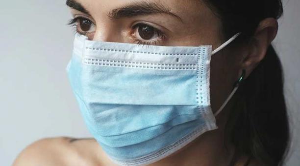 Imagen referencial. Entre los efectos secundarios más comunes provocados por el covid-19  está la discapacidad respiratoria y la disminución vital. Foto: Pixabay