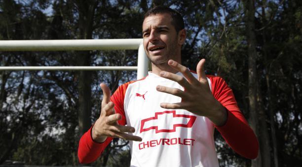 El golero Adrián Gabbarini, de Liga de Quito, recibió el documento que lo nacionaliza como un ecuatoriano más. Archivo/EL COMERCIO