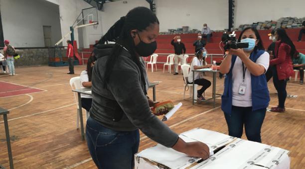 Unos 120 funcionarios electorales participaron en el segundo simulacro electoral que se efectuó este 24 de enero de 2021. Foto: EL COMERCIO.