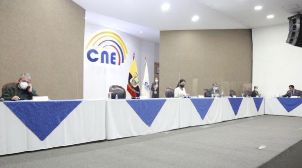 El CNE negó este 25 de enero del 2021 inadmitió la acción del movimiento Justicia Social que buscaba ampliar el plazo de inscripción de candidatos al Parlamento Andino. Foto: Twitter/ @DianaAtamaint.