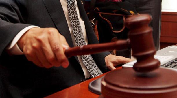El juez también le fijó una reparación civil de 400.000 soles (USD 111 000) y la inhabilitación para ejercer función pública por 30 años. Foto: EFE