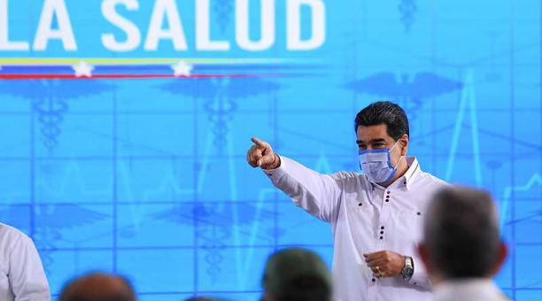 Nicolás Maduro presentó el Carvativir, unas