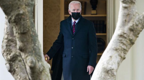 El presidente estadounidense Joe Biden sale de la Casa Blanca el 29 de enero de 2021.Foto: EFE