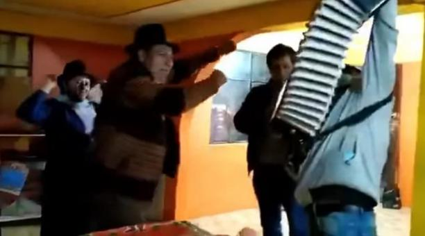 El alcalde Medardo Chimbolema aún no se ha pronunciado sobre el video. Foto: Captura