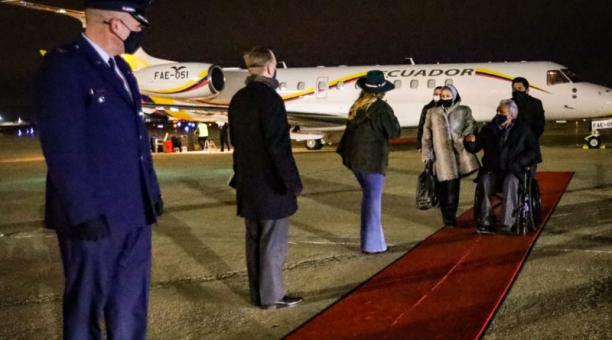 El domingo 24 de enero del 2021 el presidente de Ecuador, Lenín Moreno, y su esposa llegaron a Washington en el avión presidencial FAE-051. Foto: Secom