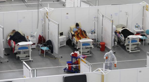 El número de hospitalizados con covid-19, estables y con pronóstico reservado, subió en el Ecuador, según las cifras registradas por el Gobierno. Foto: Eduardo Terán/ EL COMERCIO