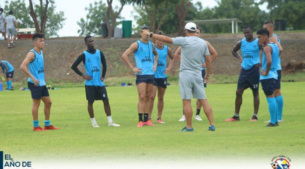 Los jugadores del Manta FC en uno de los entrenamientos de pretemporada en este 2021. Foto: Twitter del Manta FC