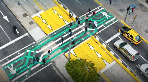 Los cruces fueron implementados por el Municipio de Quito a través de la Empresa Pública Metropolitana de Movilidad y Obras Públicas (Epmmop).