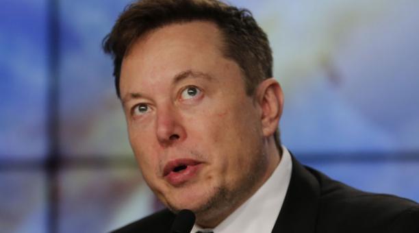 Imagen de archivo del fundador e ingeniero jefe de SpaceX, Elon Musk, hablando en una conferencia de prensa posterior a un lanzamiento para discutir una prueba de la cápsula SpaceX Crew Dragon en el Centro Espacial Kennedy en Cabo Cañaveral, Florida, Esta