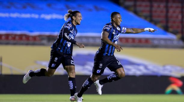 Antonio Valencia anotó su primer gol con Querétaro, en su victoria ante el Pachuca. Foto: Querétaro