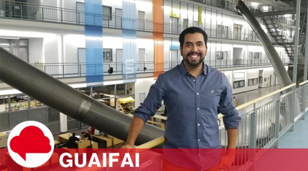 El investigador ecuatoriano hizo su primaria y secundaria en Quito, luego siguió la carrera de Ingeniería Industrial en Monterrey, México.