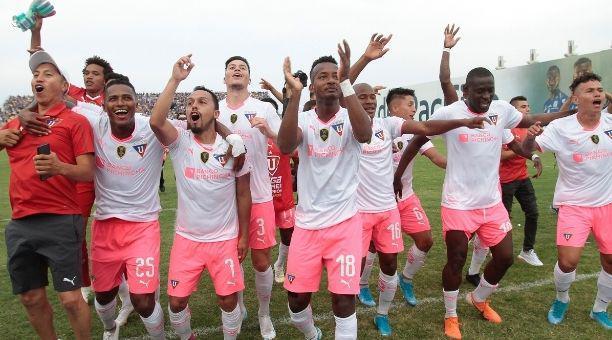 Los jugadores de Liga de Quito celebraron el título de la Copa Ecuador en el estadio Jocay, tras vencer al Delfín