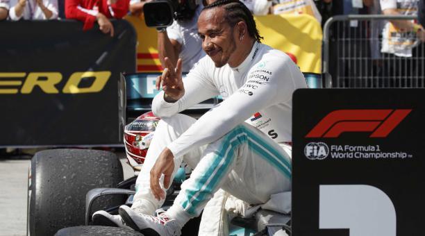 El piloto británico de Fórmula Uno Lewis Hamilton de Mercedes AMG GP reacciona después de ganar el Gran Premio de Fórmula Uno de Canadá 2019 en el circuito Gilles Villeneuve en Montreal, Canadá, el 9 de junio de 2019, reeditado el 8 de febrero de 2021 cu