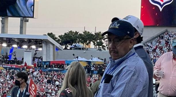 Un funcionario de salud de México que asistió al Super Bowl en Florida fue destituido este 8 de febrero del 2021. Foto: Twitter/ @CarlosLoret