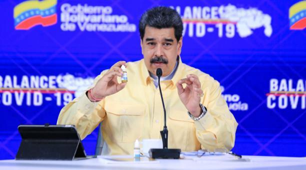 Fotografía cedida por prensa de Miraflores donde se observa al presidente venezolano Nicolás Maduro en un acto de gobierno, el 24 de enero del 2021 en Caracas (Venezuela).