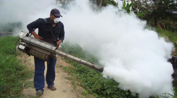 Imagen referencial. Entre diciembre del 2020 y febrero del 2021 se han registrado 43 casos de dengue y nueve de paludismo en Esmeraldas. Foto: Marcel Bonilla/ EL COMERCIO.