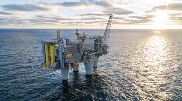 El consumo del petróleo se recuperará en el 2021, tras la caída mundial por la pandemia, estima la Agencia de Energía. Foto: EFE