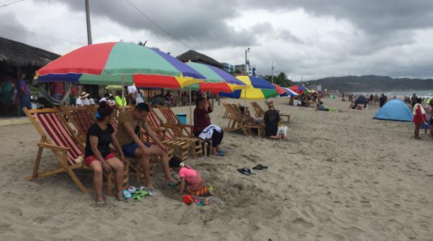 Las playas de Esmeraldas serán vigiladas por miembros de las Fuerzas Armadas durante el feriado de Carnaval. Foto: Archivo/ EL COMERCIO.