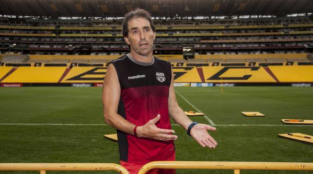 El entrenador uruguayo Guillermo Almada opinó sobre la posibilidad de clubes mexicanos en la Libertadores. Archivo/EL COMERCIO