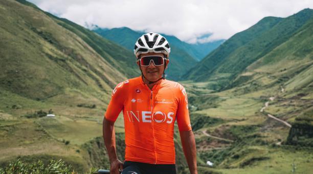 El ciclista ecuatoriano Richard Carapaz ha estado entrenando en el país en los últimos días. Tomado de Twitter de Carapaz