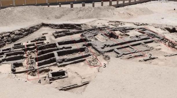 En el norte de Abidos, en la provincia de Suhag, una misión arqueológica descubrió una fábrica de cerveza de más de 5 000 años de antigüedad. Foto:  Ministerio de Turismo y Antigüedades de Egipto