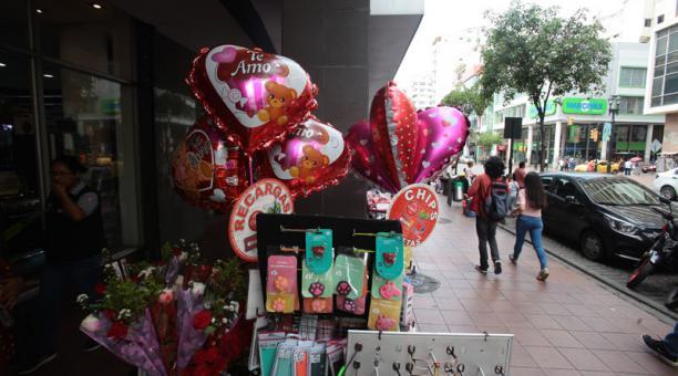 Regalos con motivo de San Valentín registran una alta demanda en Guayaquil. Foto: Archivo/ EL COMERCIO.